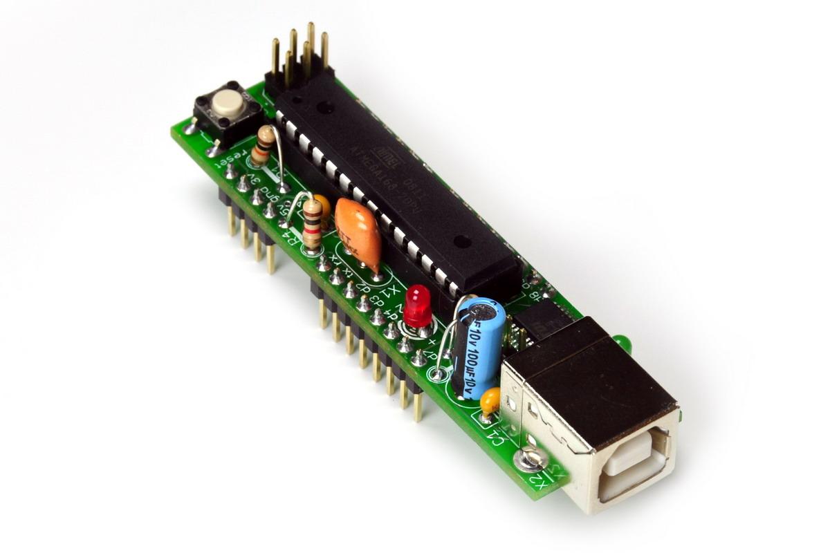导线在电路板中连接的实图