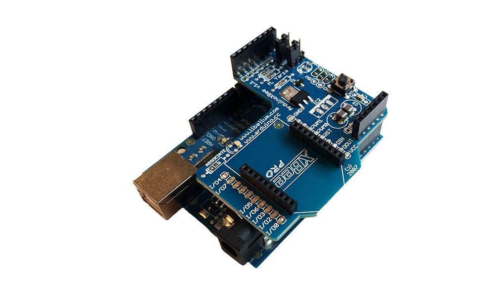 Arduino compatible wireless xBee shield - YouTube